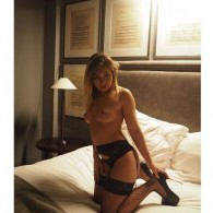 Anays Escort in Oldham
