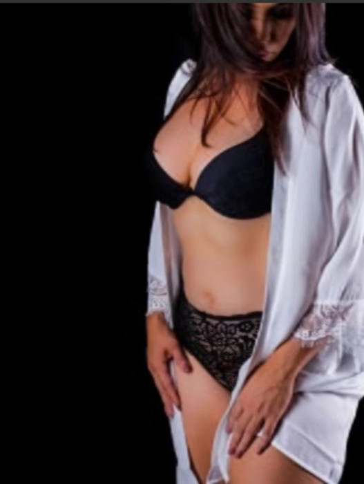 Darwin | Escort Makenzie-29-25728-photo-4