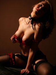 Julia Escort in Falkirk
