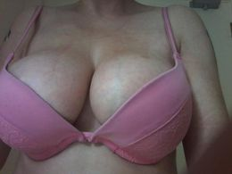 Local Lady Escort in Belfast