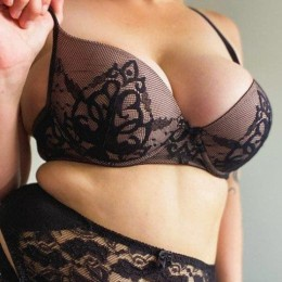 Chloe Summers Escort in Wollongong