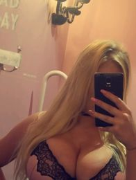 Blonde Escort in Sheffield