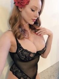 Sarah Escort in Santa Ana