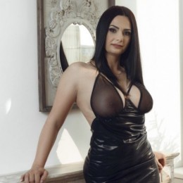 Sonnia Escort in Warrington